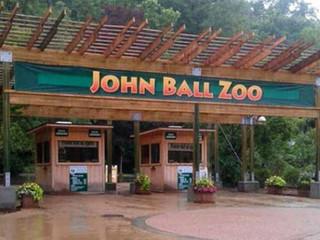 John Ball Zoo Opens Honey Bee Exhibit