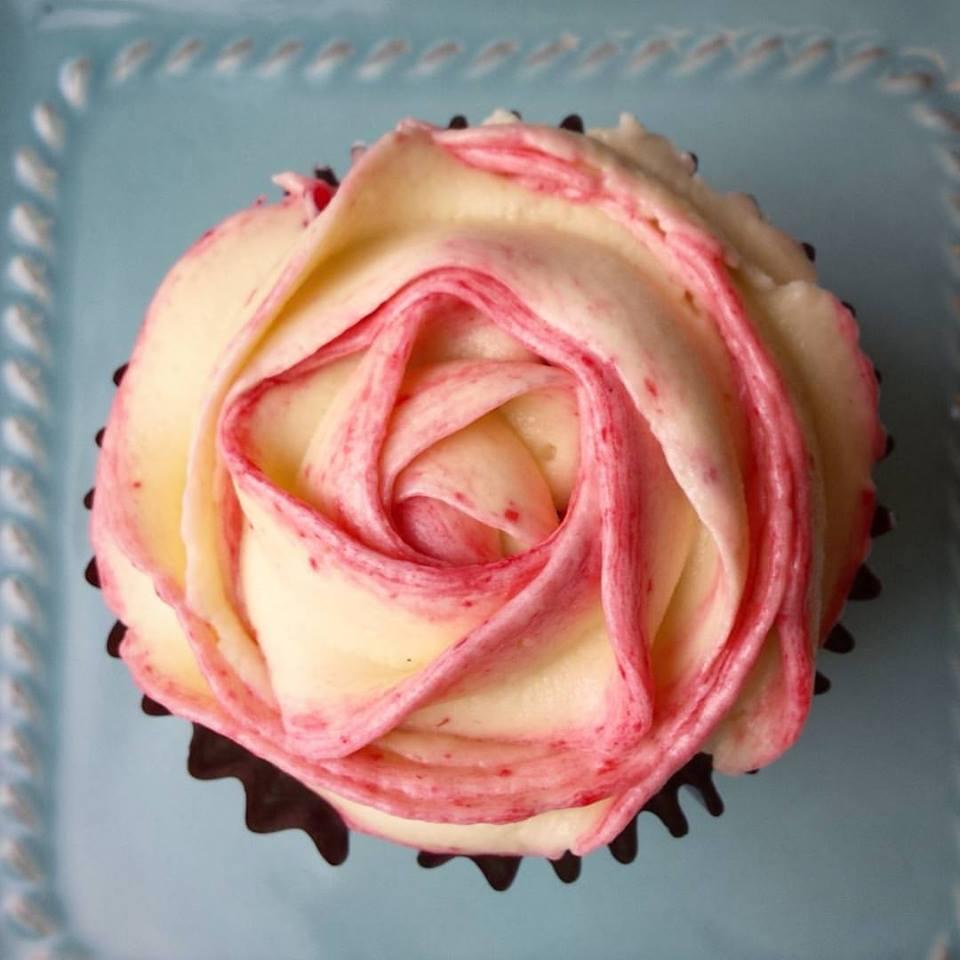 Chocolate & Vanilla Cupcake