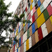 Conheça o prédio coreano com mil portas na fachada.