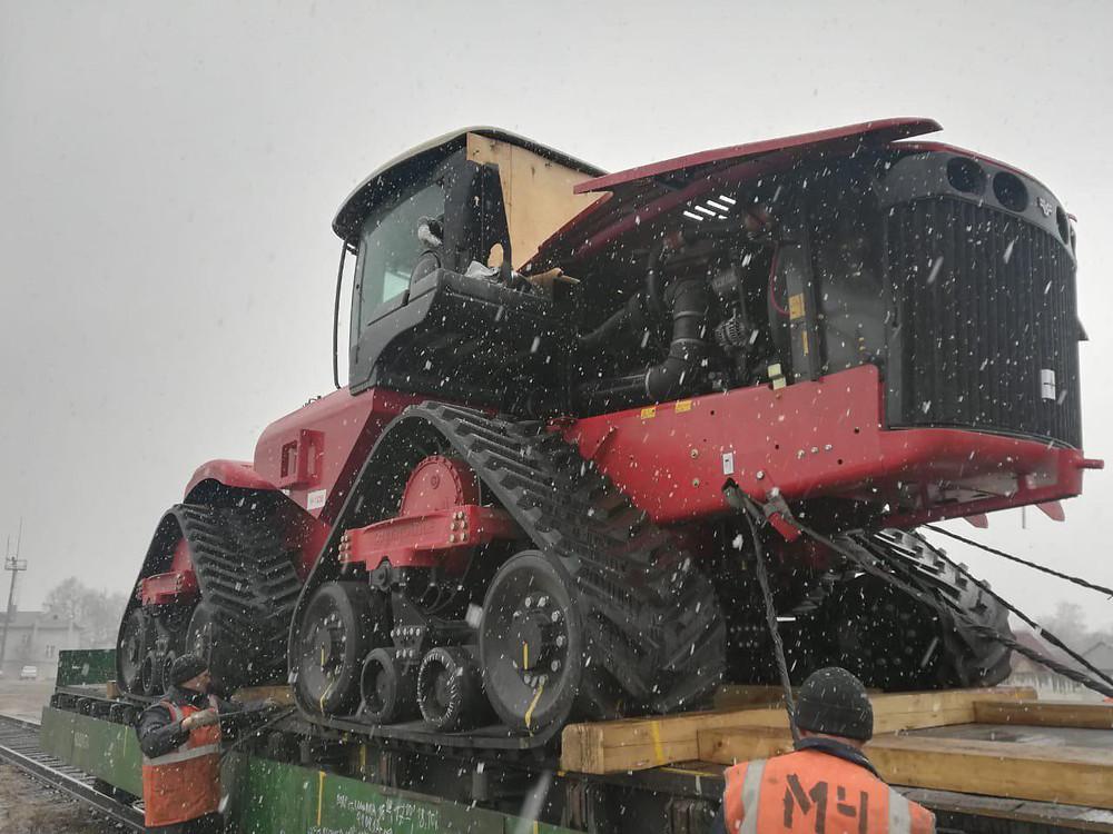 Трактор Versatile 570DT в Чернышевском районе
