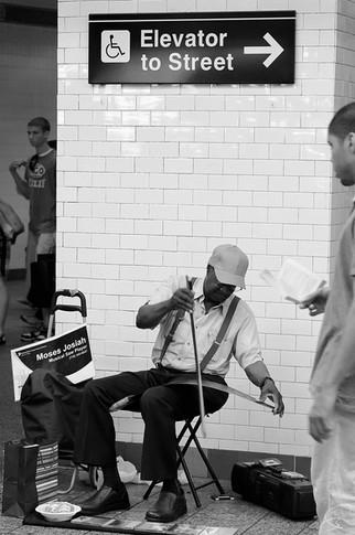 Saw Player, New York 2011