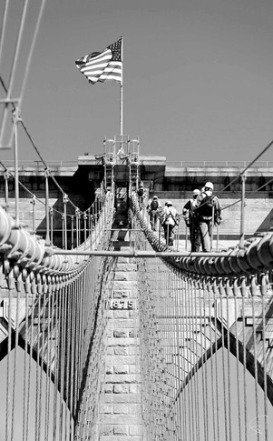 The climbers, Brooklyn Bridge, New York 2011