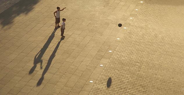 Enfants Place Garibaldi, à Nice