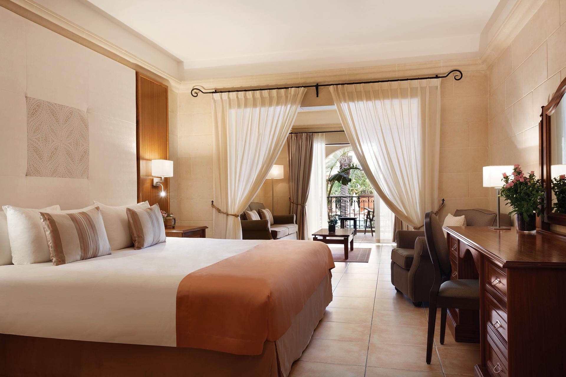 Kempinski-Hotel-San-Lawrenz-suite
