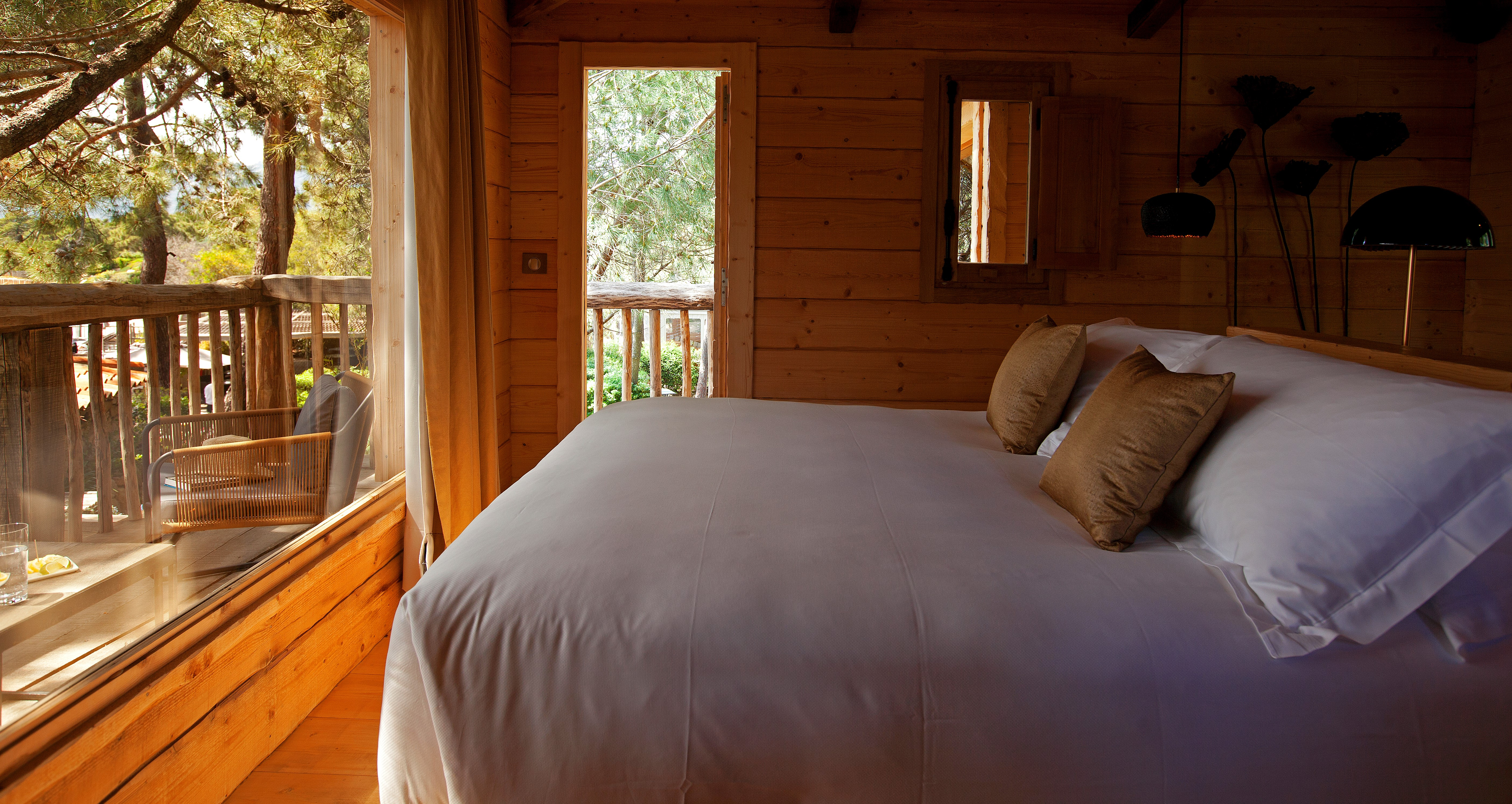 treehouse-bedroom-cala-rossa