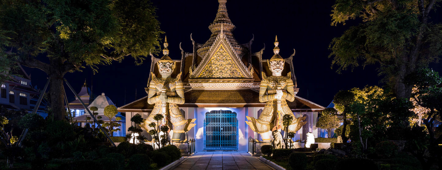 Wat-Arun-Entrance-Night