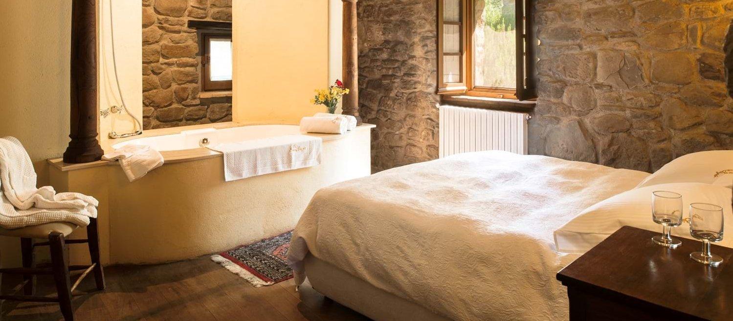 borgo-san-biagio-double-bedroom-4