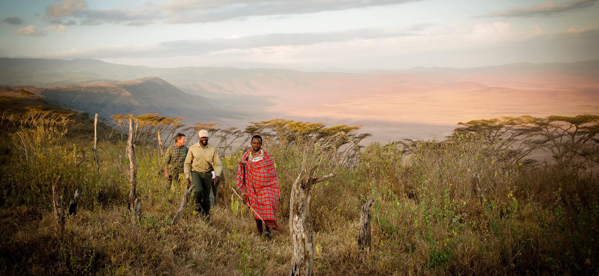 walking-safari-ngorongoro-crater