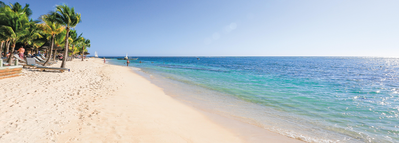 victoria-hotel-mauritius-beach