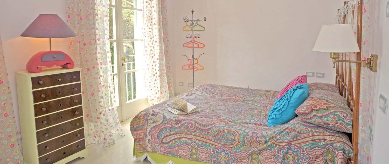 beach-house-tuscany-double-bedroom-5