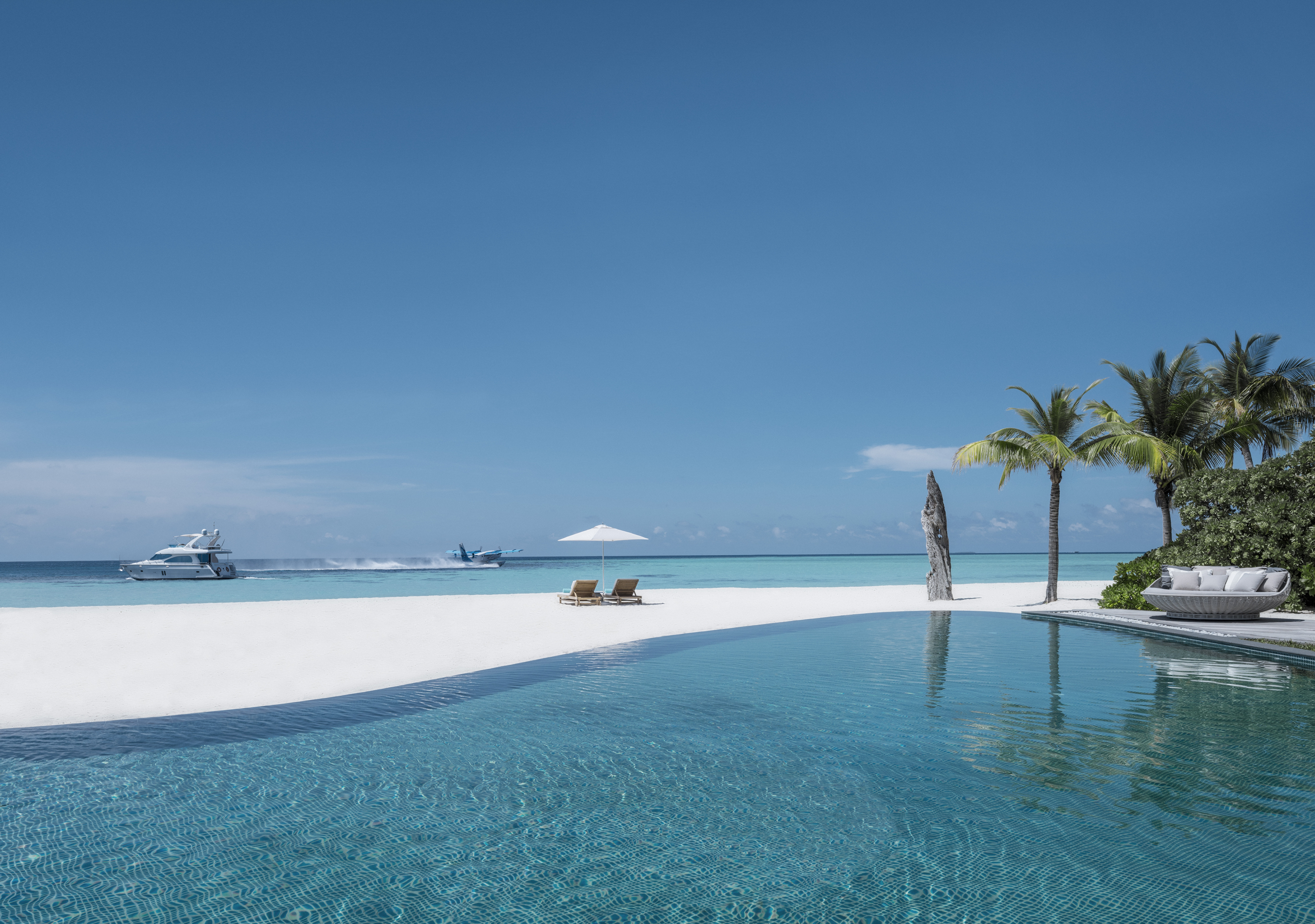 voavah-four-seasons-private-island