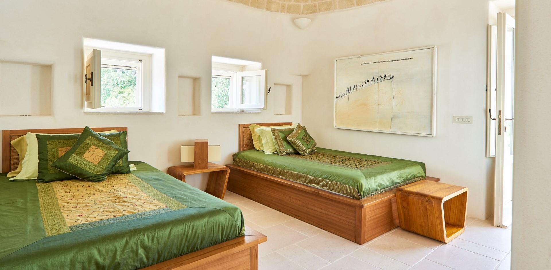 trulli-fiori-puglia-twin-bedroom-1