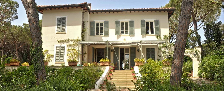 beach-house-tuscany-facade