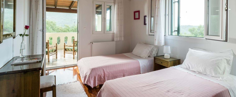 first-floor-twin-bedroom