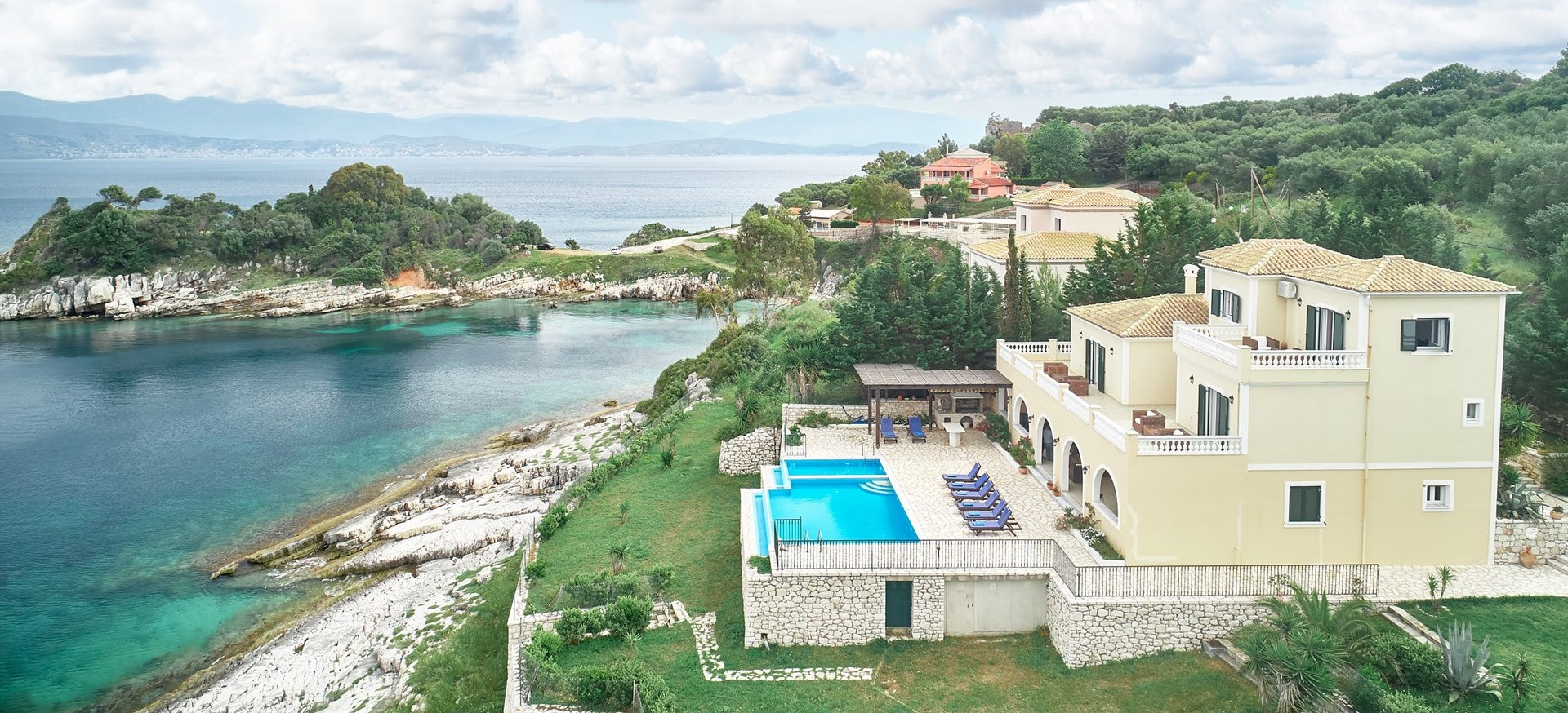 luxury-4-bed-family-villa-corfu