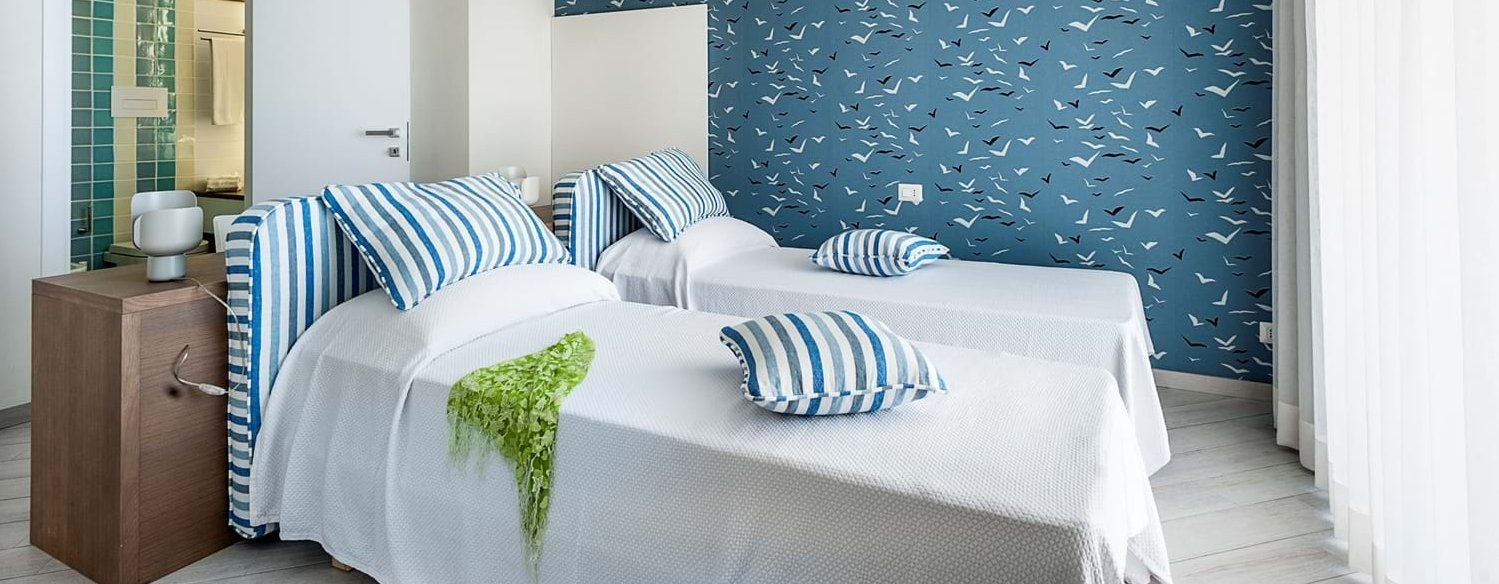 mare-nel-bleu-twin-bedroom-1