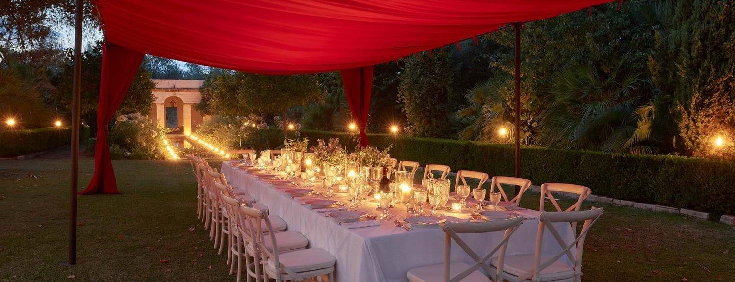 villa-la-dimora-sicily-garden-dining