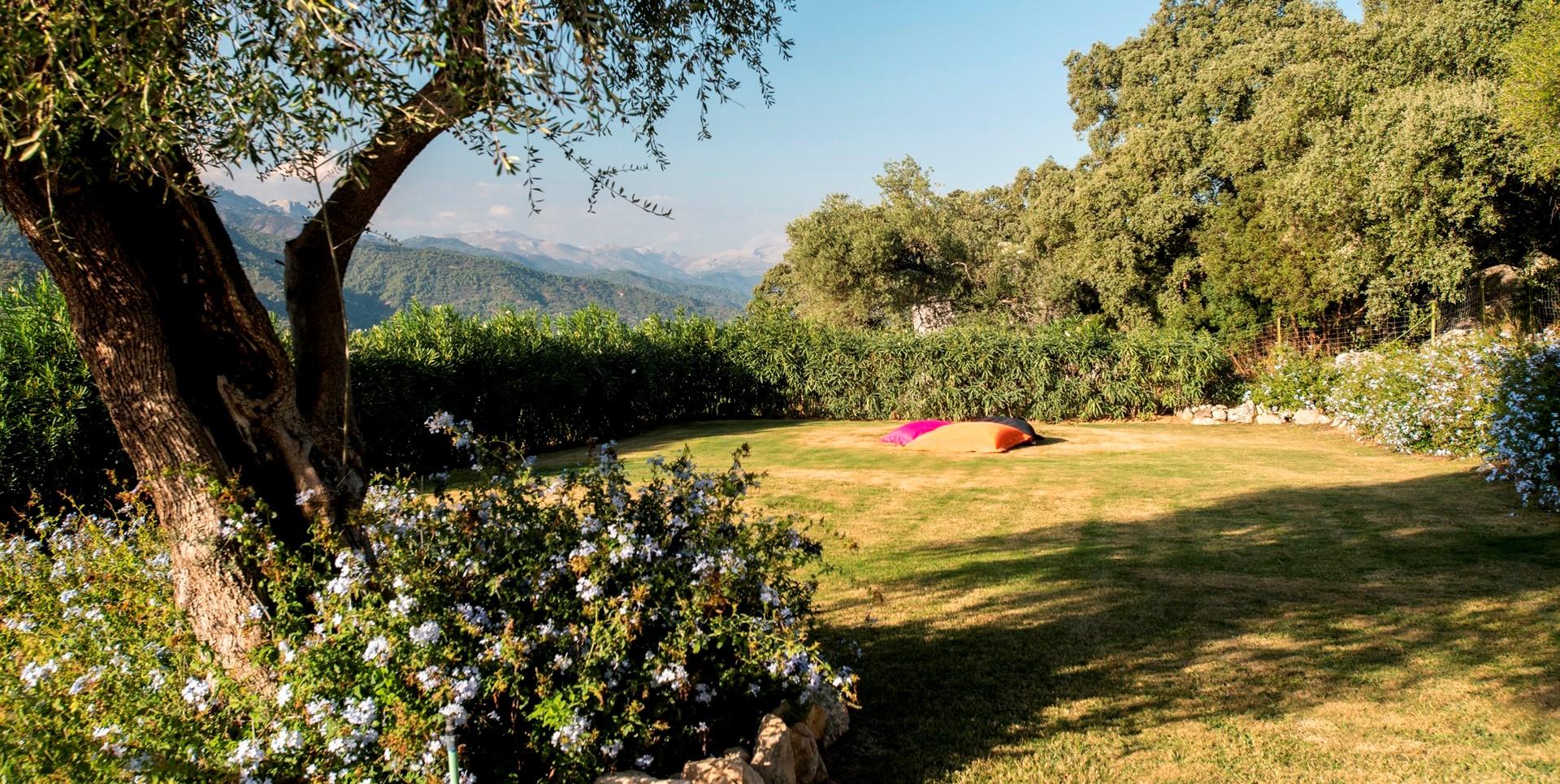 finca-jabali-garden-view