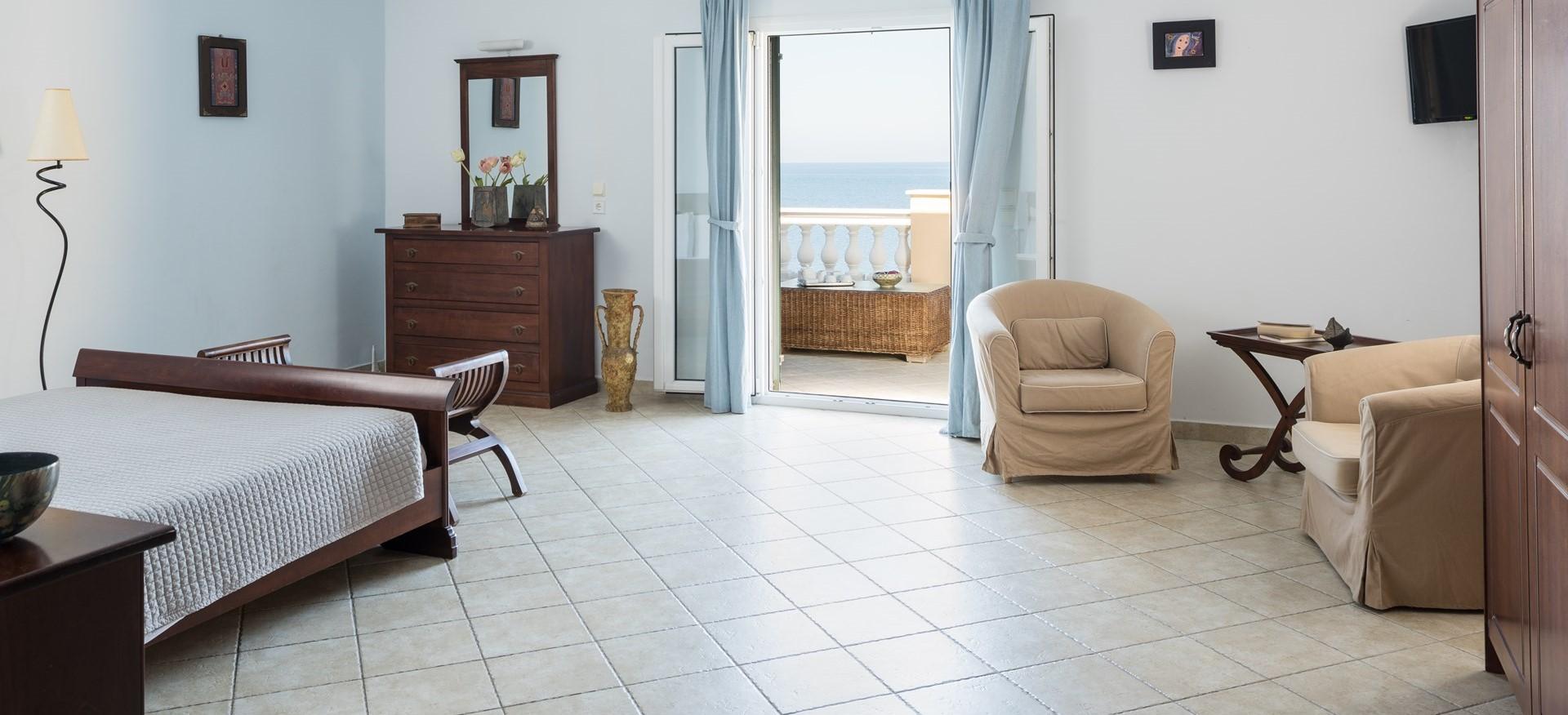 villa-aktea-double-bedroom-2