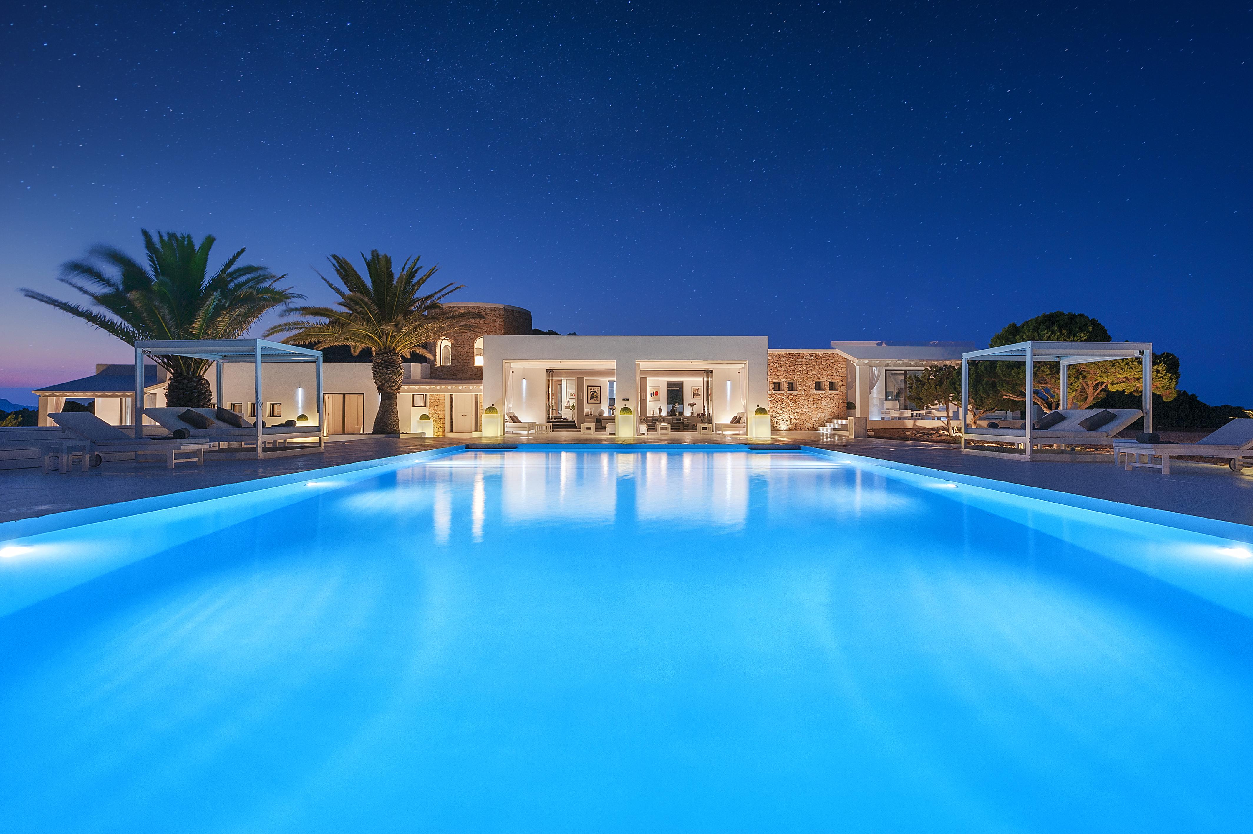 tagomago-island-swimming-pool