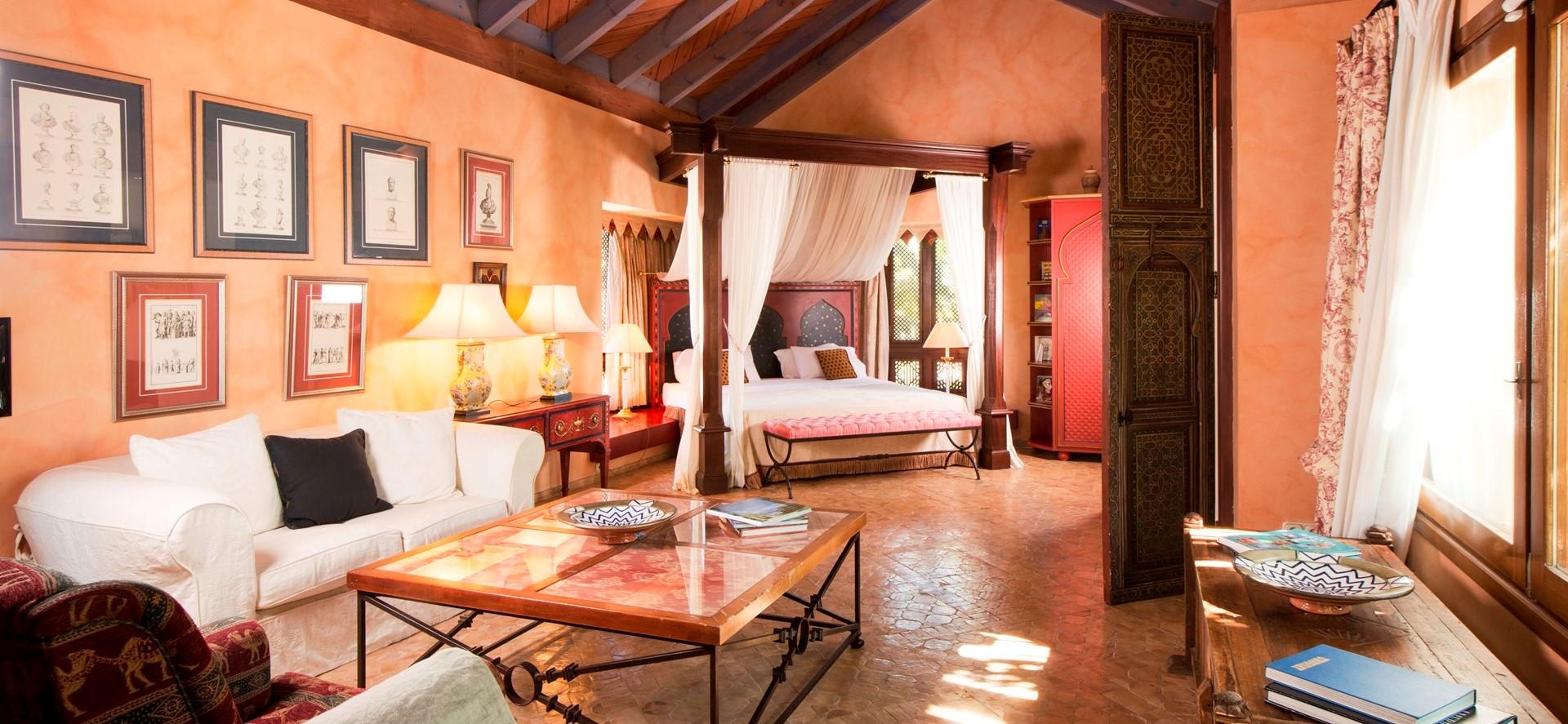 villa-marbella-master-bedroom