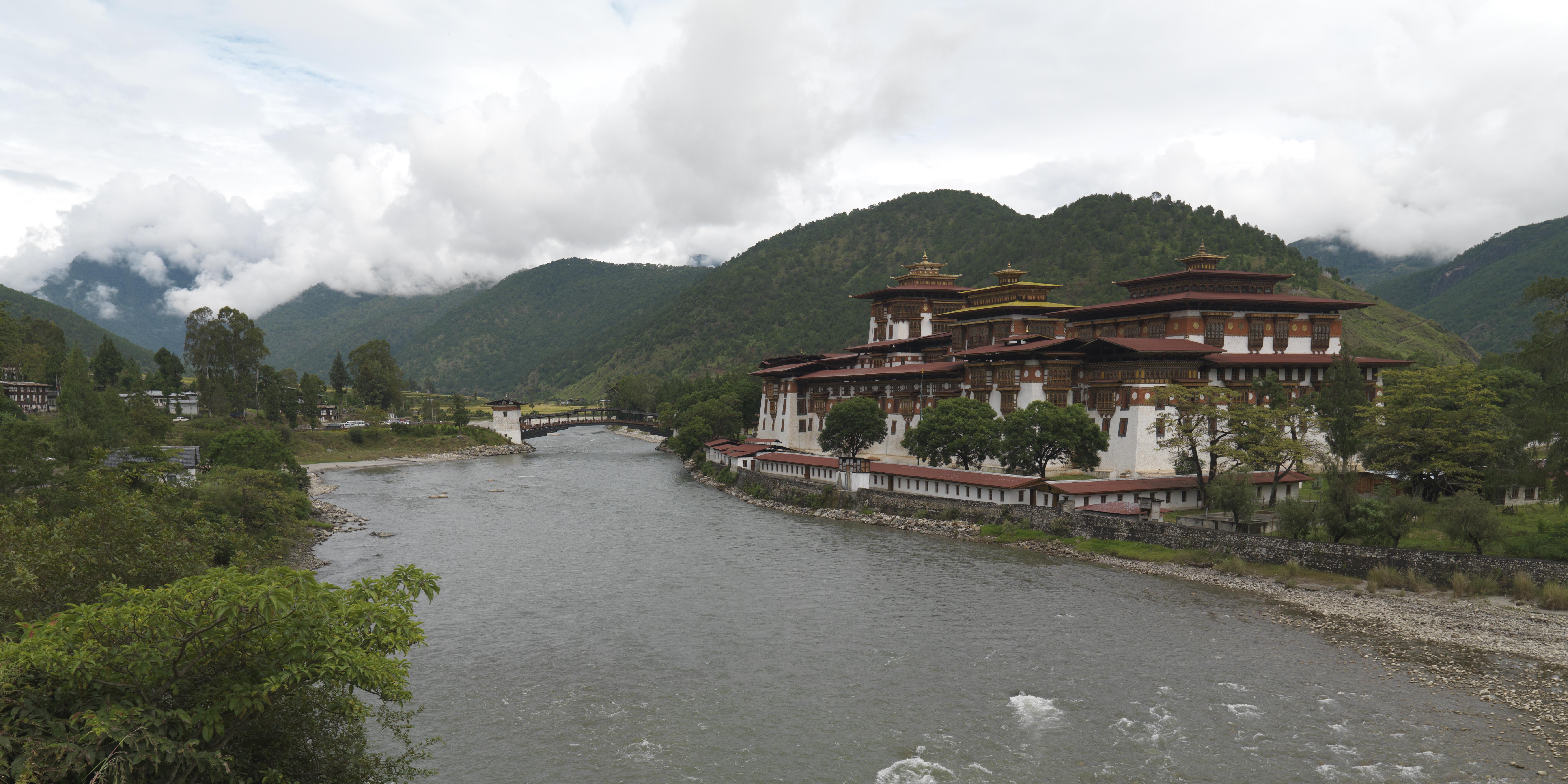 private-escorted-tours-bhutan