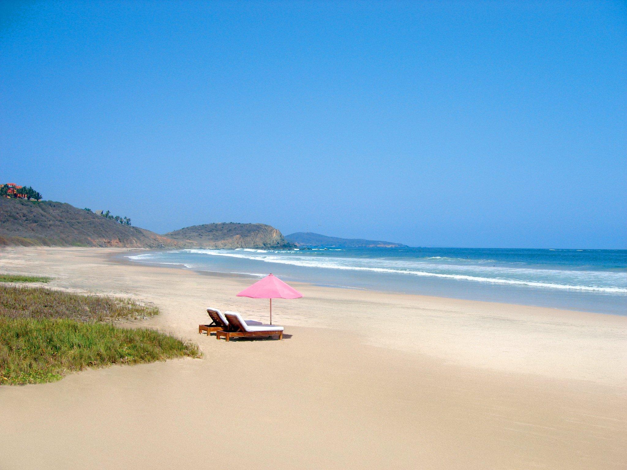 private-beach-las-alamandas-mexico