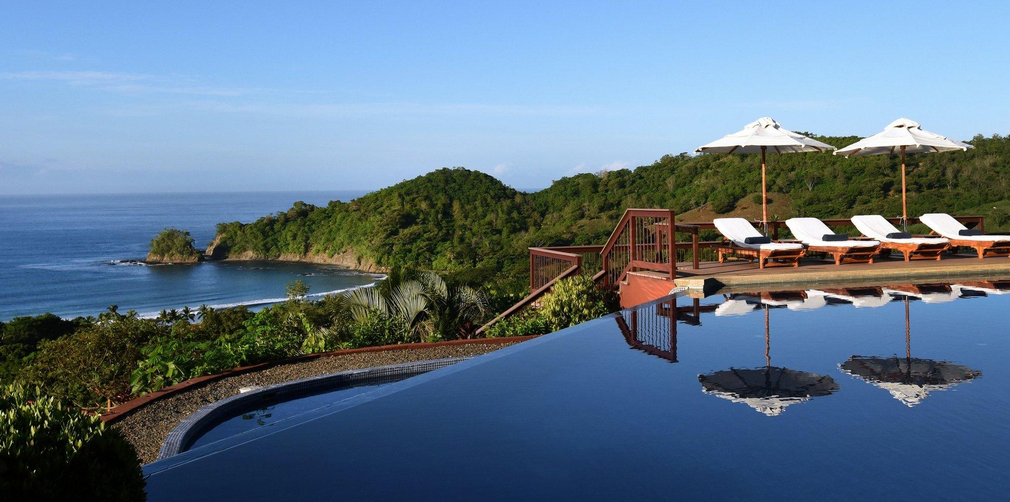 punta-islita-hotel-infinity-pool