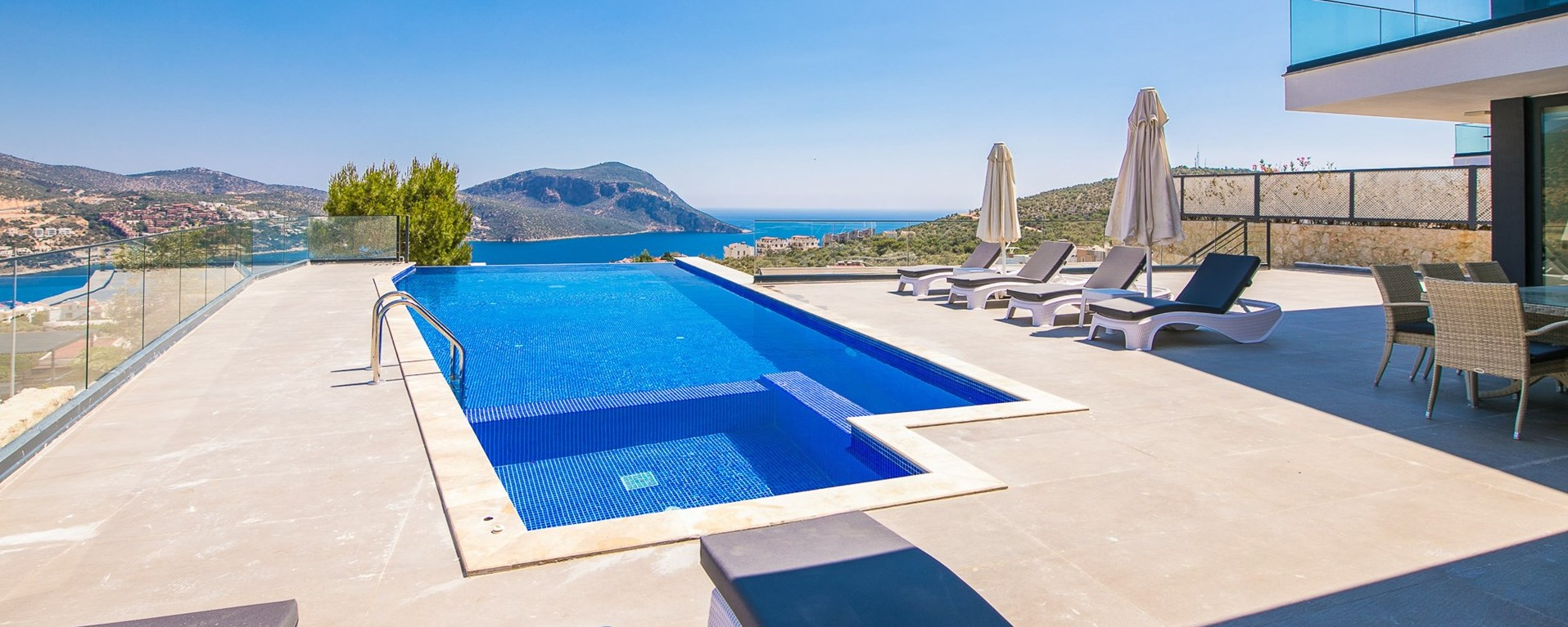luxury-4-bedroom-villa-kalkan-pool
