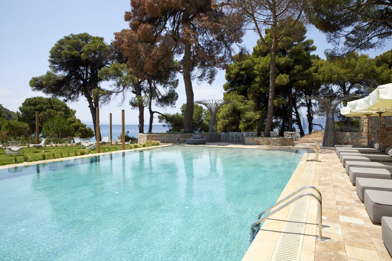 elivi-skiathos-nest-pool