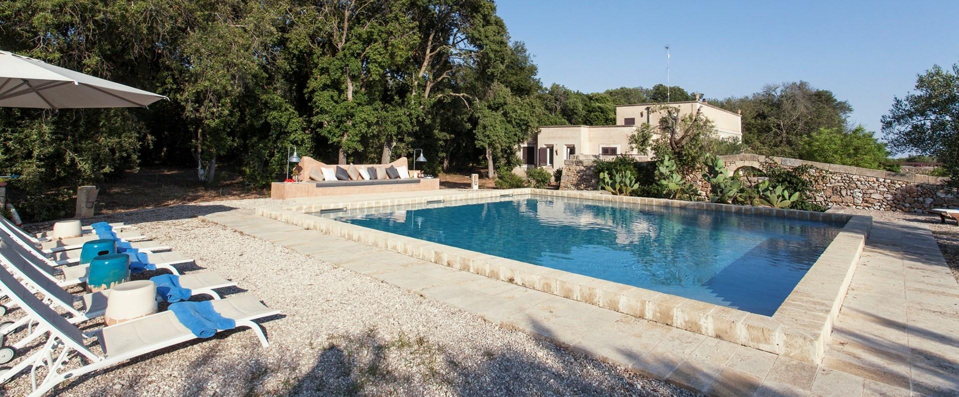 masseria-del-mare-puglia-pool