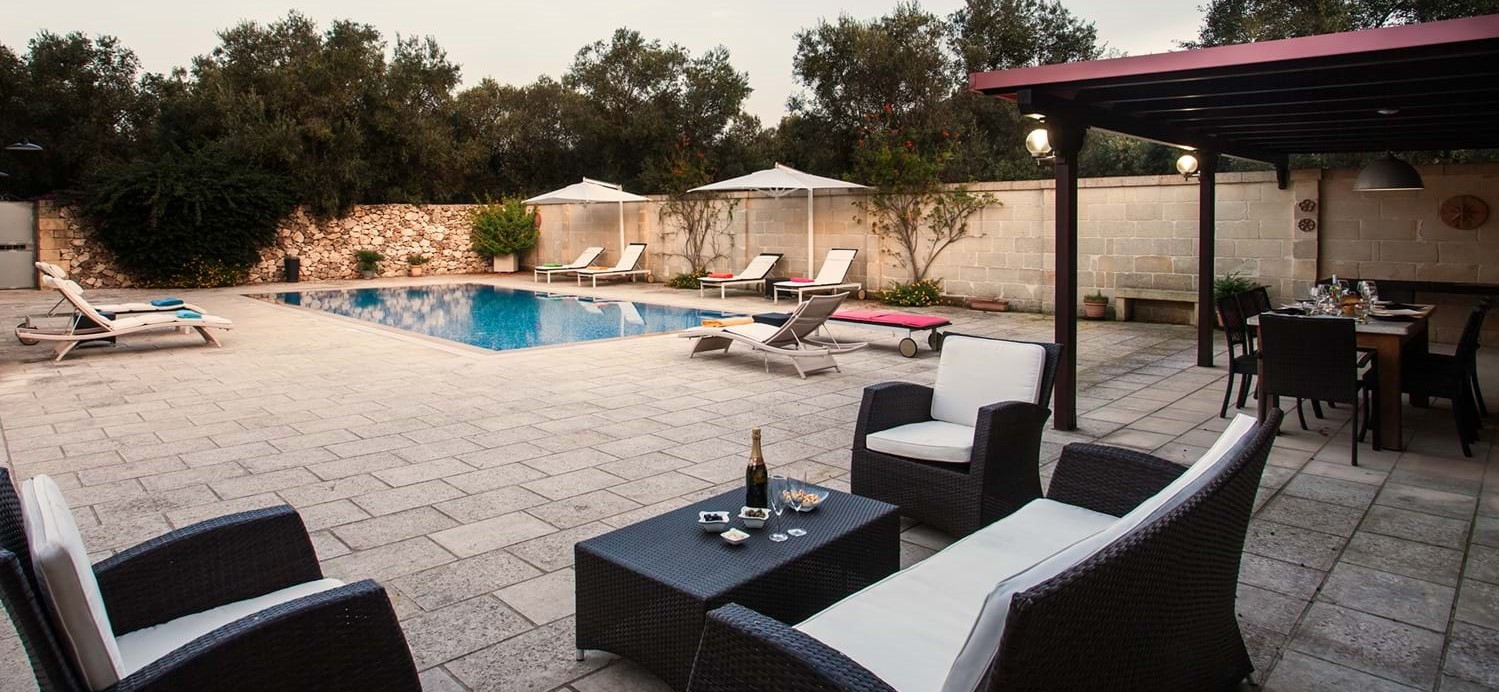 masseria-violetta-pool-terrace
