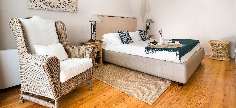 villa-trecastagni-master-bedroom