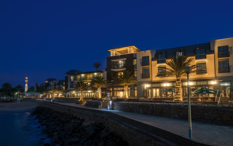 strand-hotel-swakopmund-exterior-night