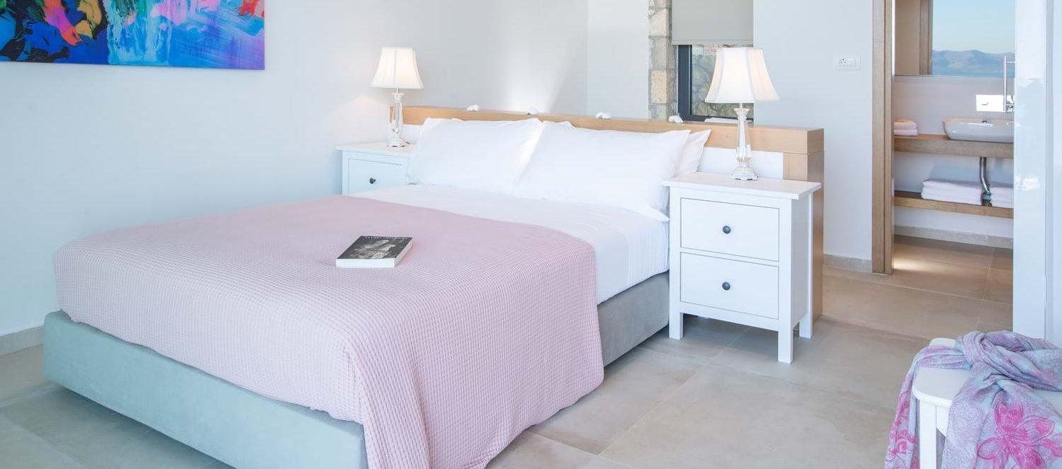 villa-saloma-meganissi-doube-bedroom-1