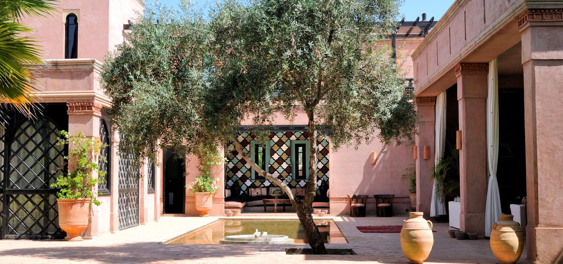 villa-ezzahra-fountain-courtyard