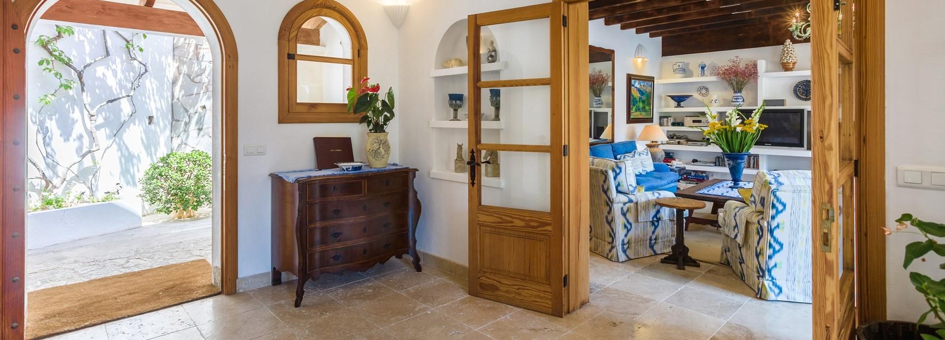 villa-mar-azul-hallway