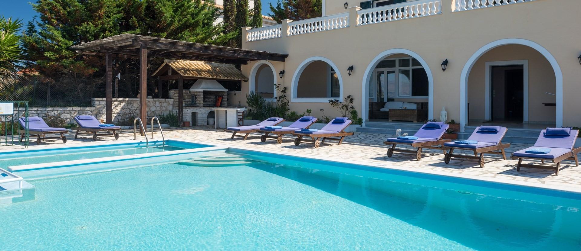 luxury-4-bed-villa-kassiopi