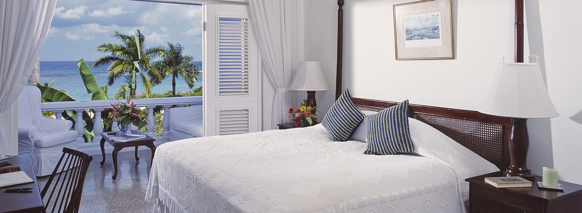 balcony-suite-bed-jamaica-inn