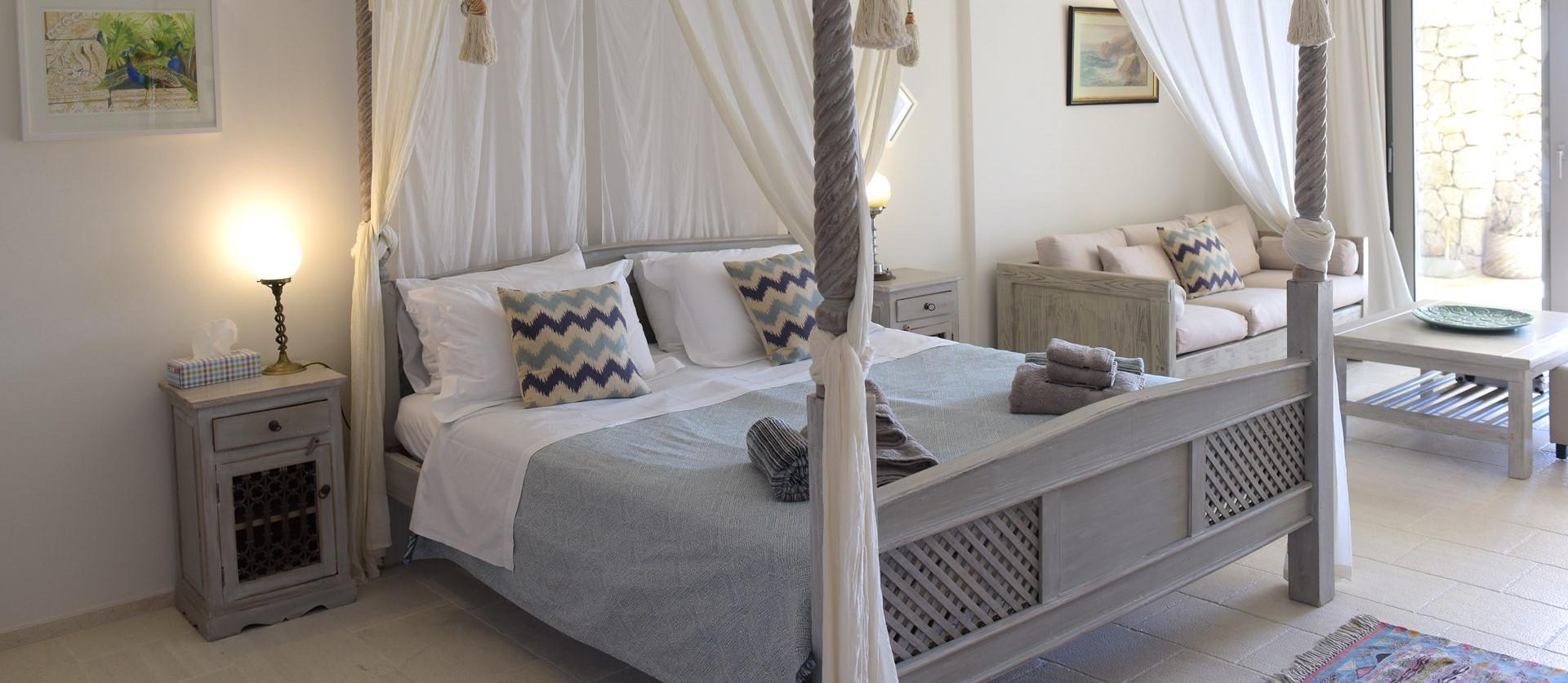 garden-level-master-bedroom