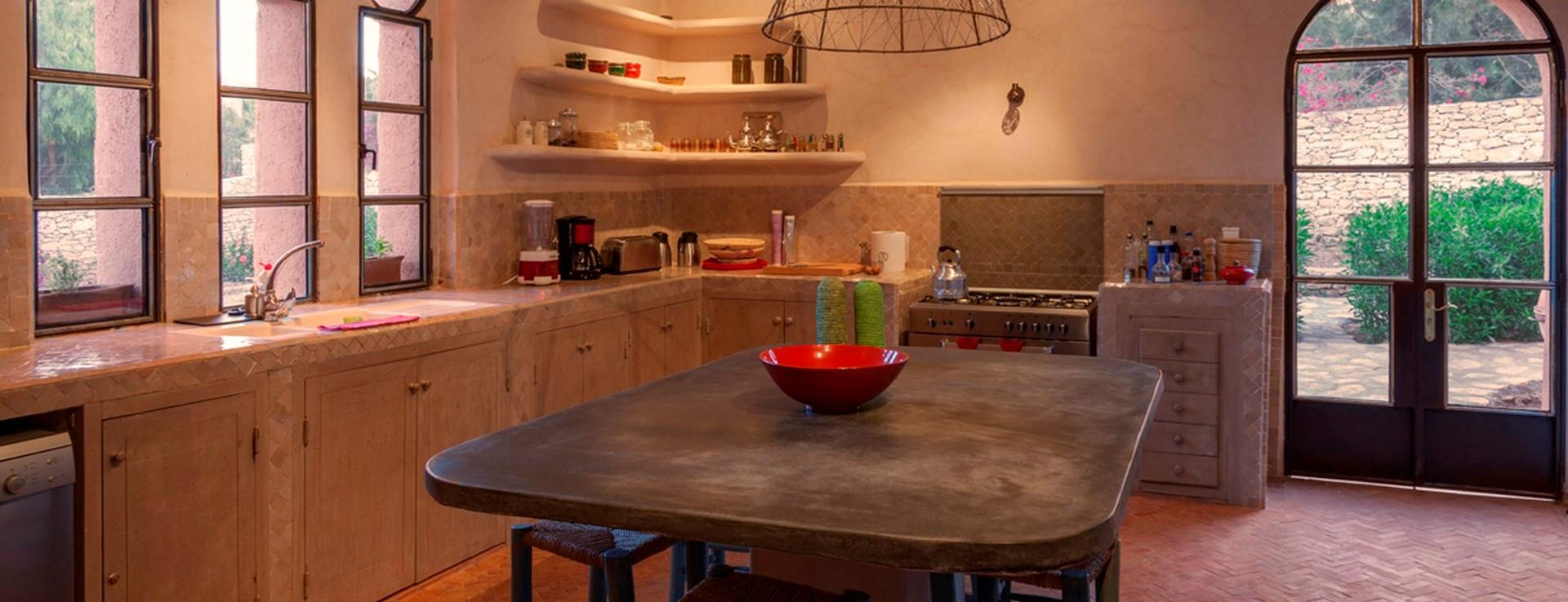 villa-basmah-essaouira-kitchen