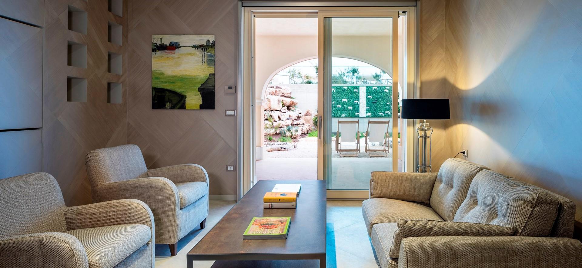 villa-dell-aquila-bedroom-4-lounge