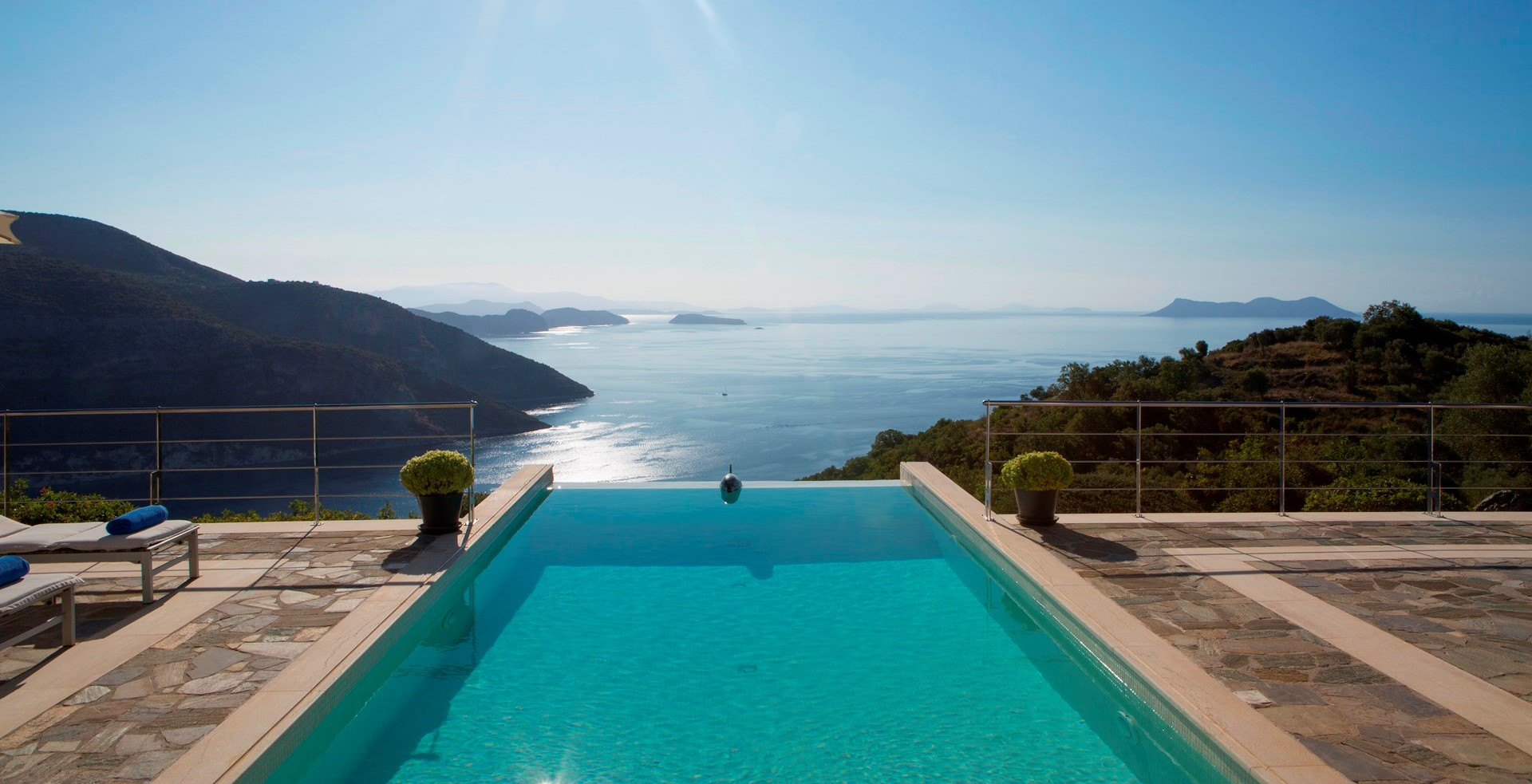 luxury-villa-holidays-greece