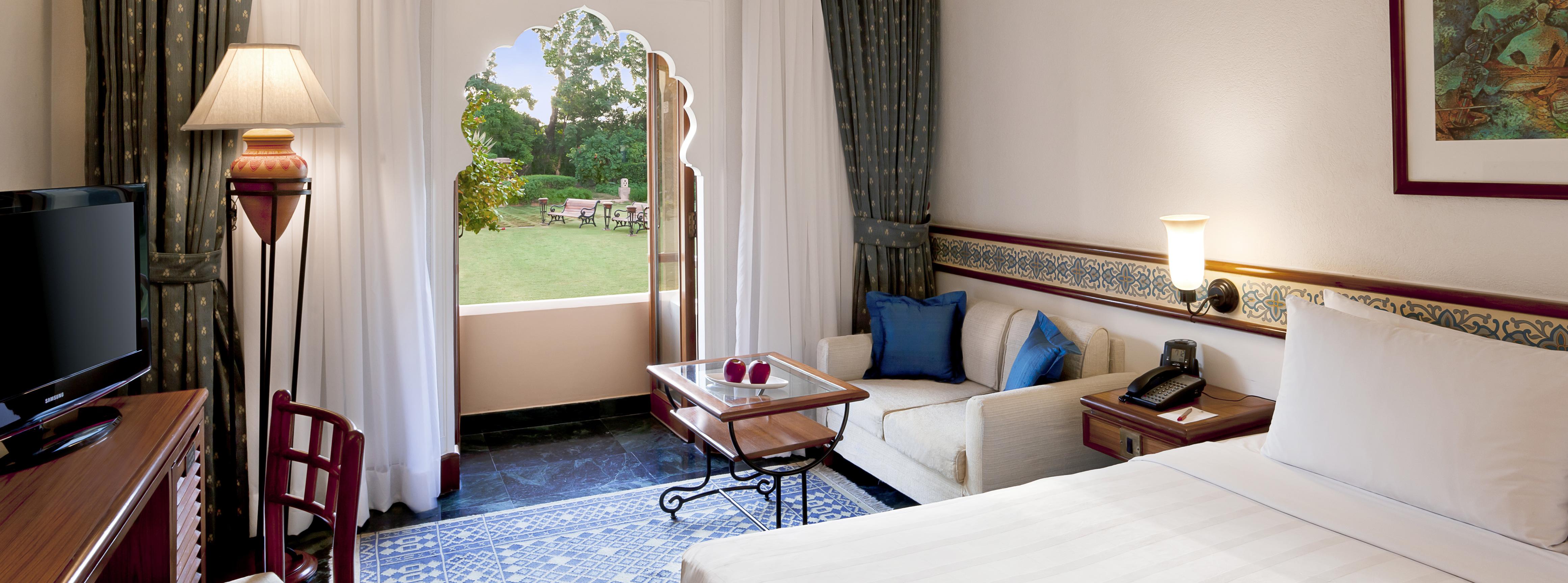 trident-hotel-jaipur-bedroom