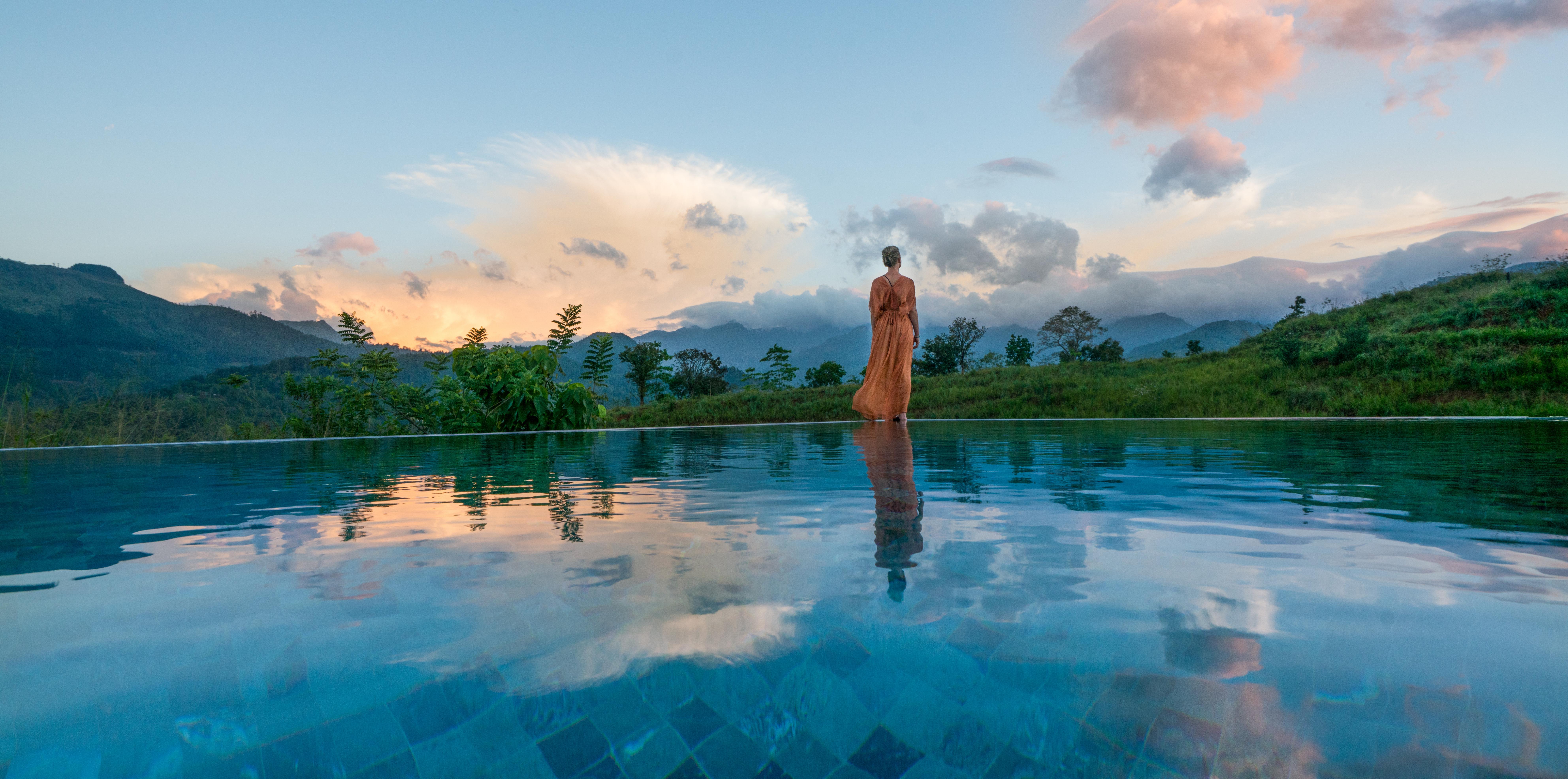 santani-pool-view