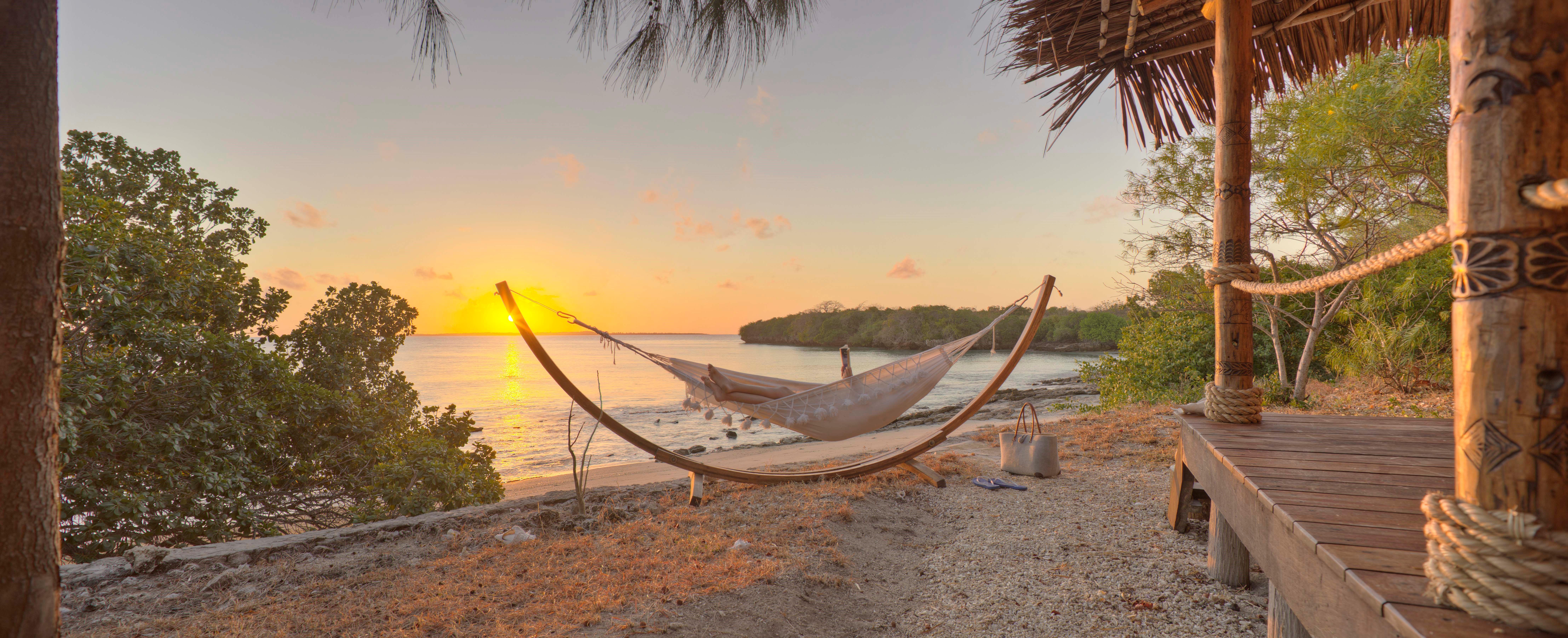 azura_quilalea_hammock_sunset