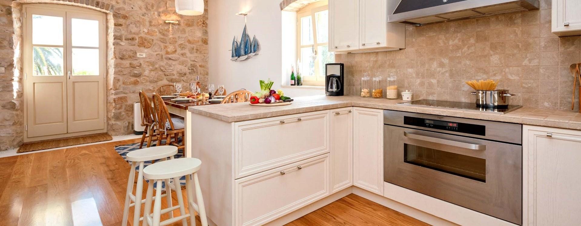 hvar-house-kitchen