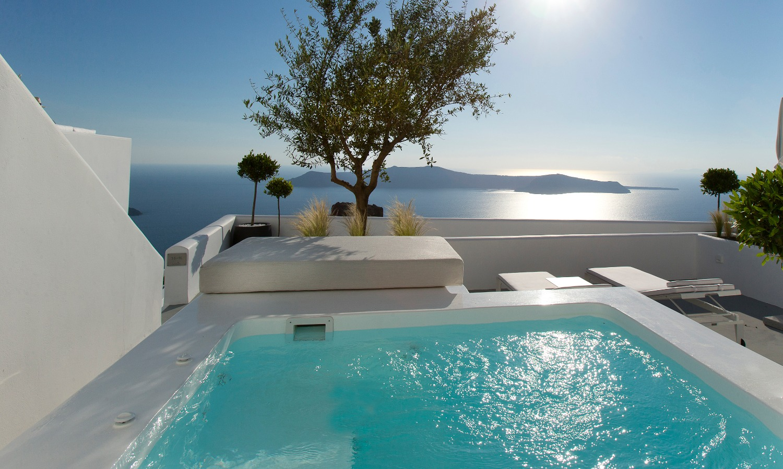 grace-santorini-luxury-suites