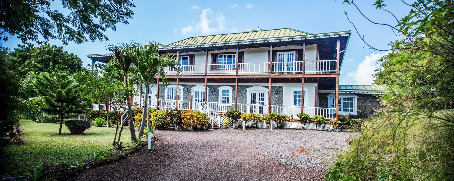 estate-house-grenada-caribbean-facade