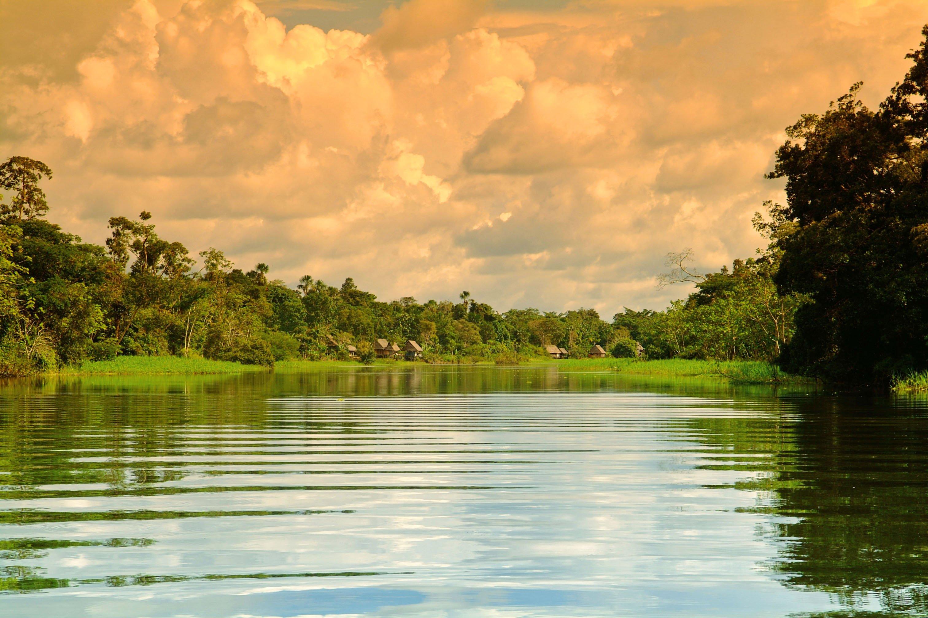 dawn-on-amazon-river-peru